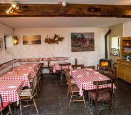 Gracy's Bar & Restaurant - Destination Westport